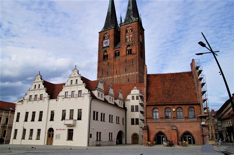Rathaus und Gerichtslaube